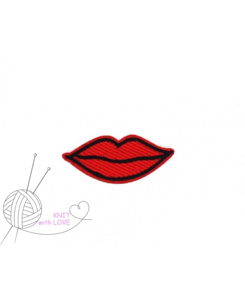 -aplikacja-termo-usta-czerwone