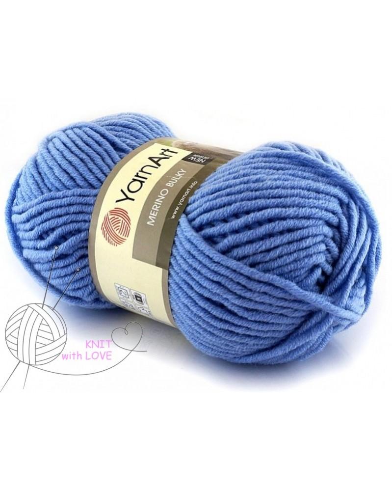 Włóczka Merino Bulky kolor 3024 niebieski